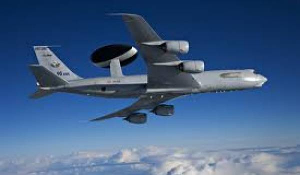 Avion Awacs.