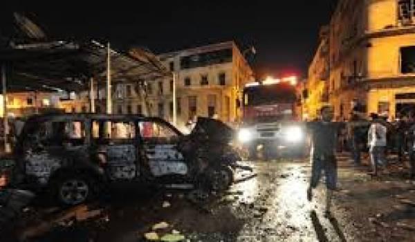 L'explosion aurait été provoquée par une voiture piégée.