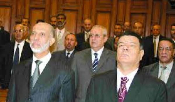 """Saadani en compagnie de l'ancien """"barbefln"""" Belkhadem."""