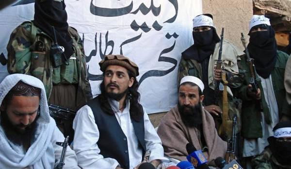 Hakimullah Mehsud au milieu.