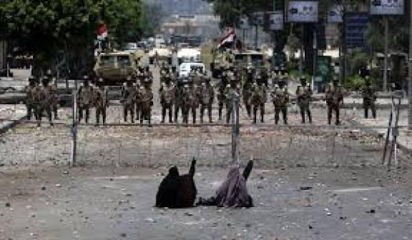 L'Egypte sombre dans la violence armée.