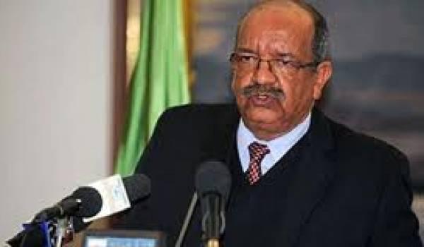 Abdelkader Messahel, ministre de la Communication.