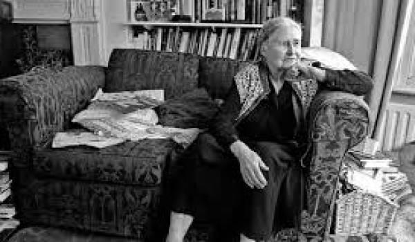 Doris Lessing était une grande conteuse.