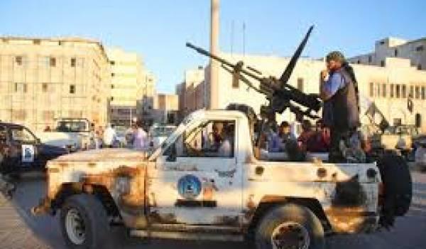 Des milices font régner la terreur.