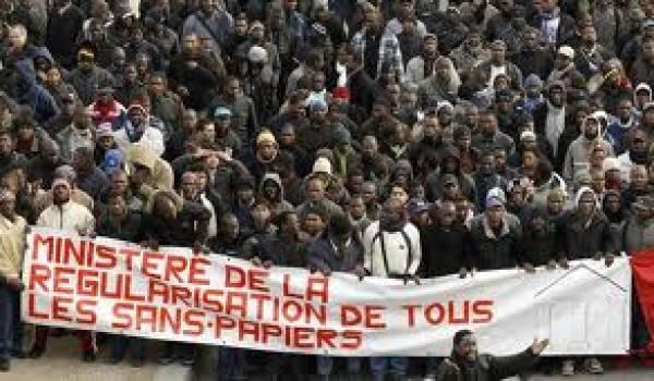 Les ressortissants algériens et tunisiens ne peuvent se prévaloir des dispositions du Code de l'entrée et du séjour des étrangers et du droit d'asile CESEDA.