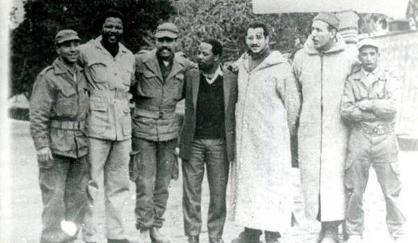 Madela et des combattants algériens.