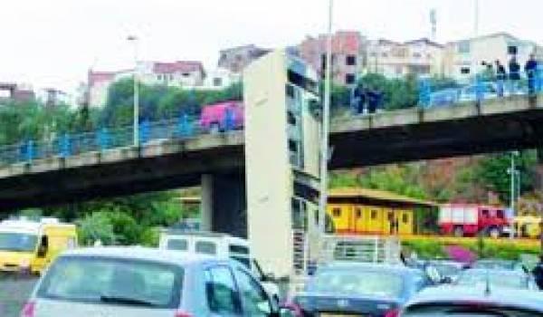 Le problème de circulation automobile demeure épineux à Alger.