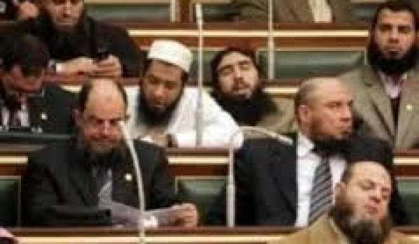 Les islamistes sont déjà dans les arcanes législatifs du pouvoir.