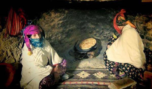 Les femmes chaouies : les gardiennes du feu sacré de la culture et des traditions.