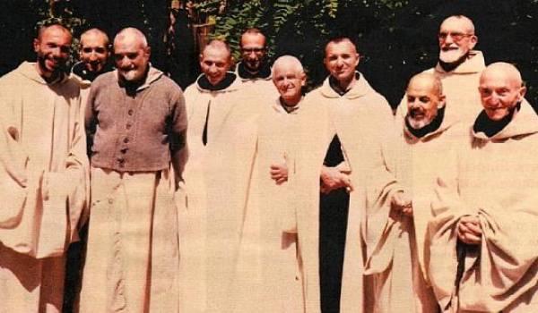 Les moines de Tibhirine enlevés puis assassinés en 1996.