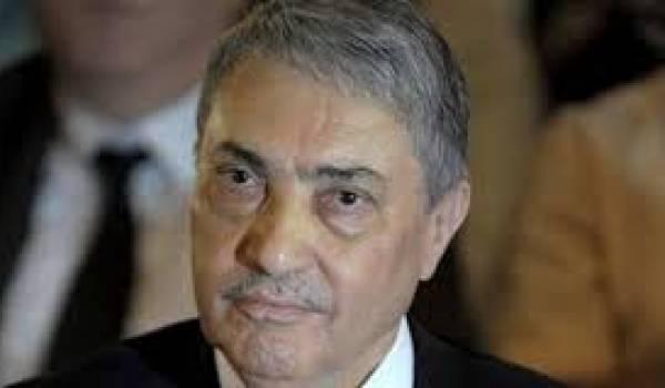 Ali Benflis tente d'exister dans l'ouragan qui secoue le pays actuellement