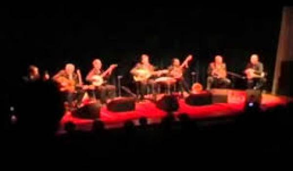 Djaafar Gounane chante El Hasnaoui et Slimane Azem.