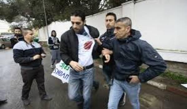 Les policiers ont quadrillé Alger pour empêcher toute respiration.