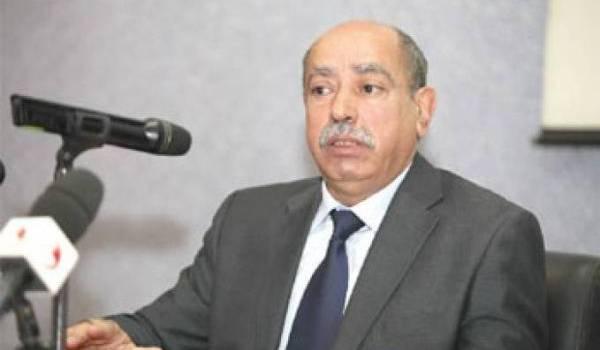 Mohamed Mebarki, ministre de l'Enseignement supérieur est interpelé.
