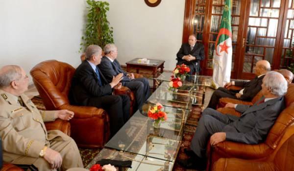 Bouteflika et ses soutiens mènent le pays droit au mur.