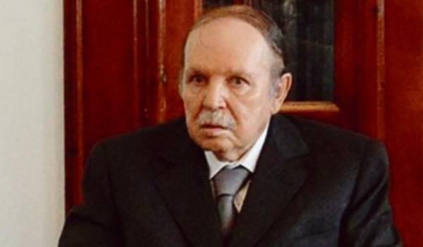 Malade, le président candidat Bouteflika a de longues périodes d'absence.