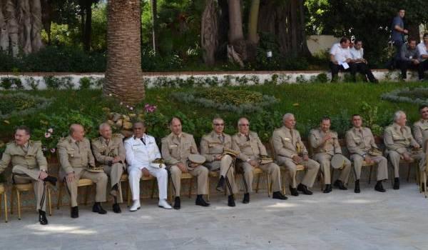 Nombre de généraux n'ont eu leur promotion que grâce à Bouteflika.
