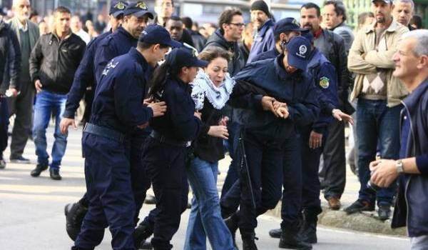 La répression policière de toutes les manifestations des opposants au pouvoir commence à irriter les capitales occidentales.