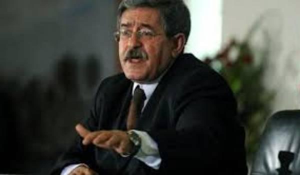 Ahmed Ouyahia revient pour vendre la candidature d'un malade aux Algériens.