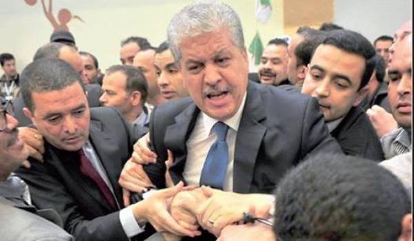 Le tripatouillage des images du président ne suffit plus pour convaincre les Algériens. Ici Sellal malmené par la population.