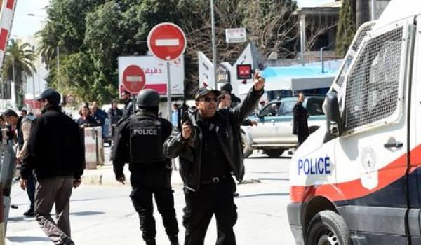 Les forces spéciales tunisiennes ont éliminé deux terroristes et auraient arrêté un troisième.