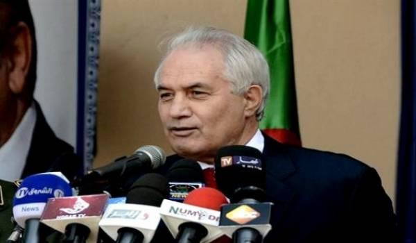 Tayeb Belaïz minimise les violations policières de Tizi-Ouzou.