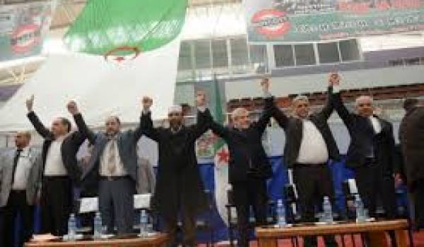 Les partis qui boycottent la mascarade présidentielle activent sur le terrain.