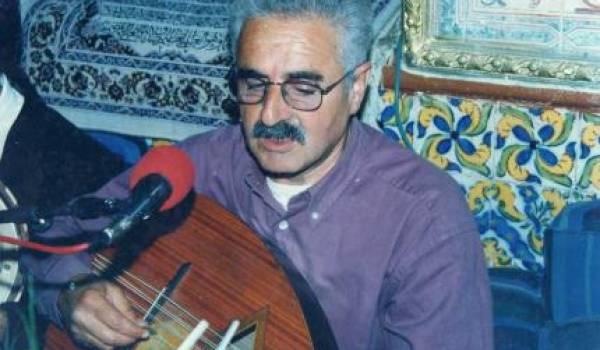 Artiste antisystème, Amar Ezzahi, l'inclassable, refuse les honneurs sonnants du pouvoir.