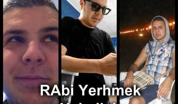 Le rassemblement se veut une façon d'interpeler sur la mort deChakri Mohamed Faouzi