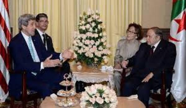 Kerry et Bouteflika.