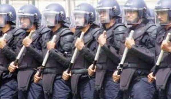 Après la mascarade, Bouteflika inaugure son 4e mandat par la répression d'une manifestation pacifique.