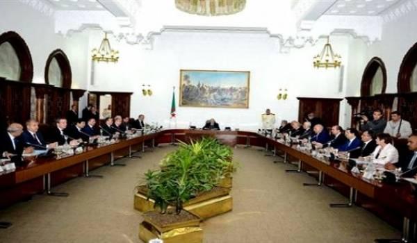 Premier conseil des ministres du 4e mandat.
