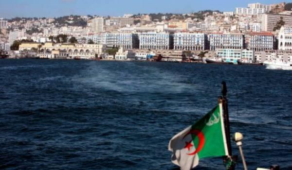 Les jeunes Algériens donnent cher pour traverser la Méditerranée.