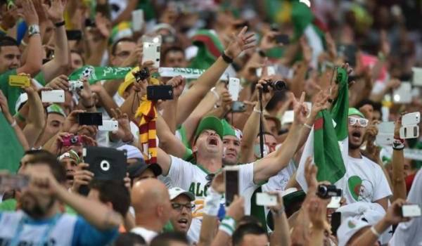 La fête a été gâchée par des supporteurs algériens qui ont brûlé des voitures et s'en sont pris aux forces de l'ordre