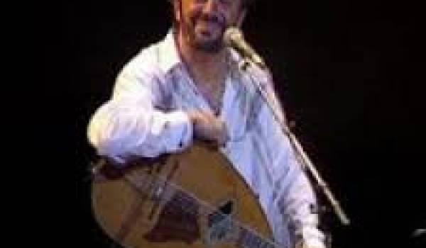 Matoub Lounès, poète, chanteur de talent, musicien hors pair et défenseur de l'amazighité impénitent a été assassiné par un groupe armé en juin 1998.