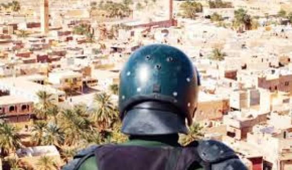 Malgré la mobilisation de milliers de policiers et gendarmes, Ghardaïa est en proie à des bandes armées.