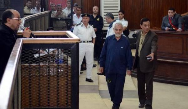Mohamed Badie condamné à la prison à vie.
