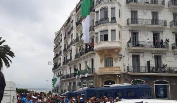 L'EN fêtée à Alger.
