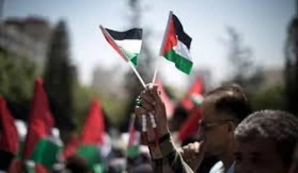 L'OLP soutient le Hamas.
