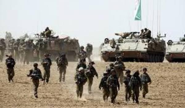 L'armée israélienne envahit Gaza.