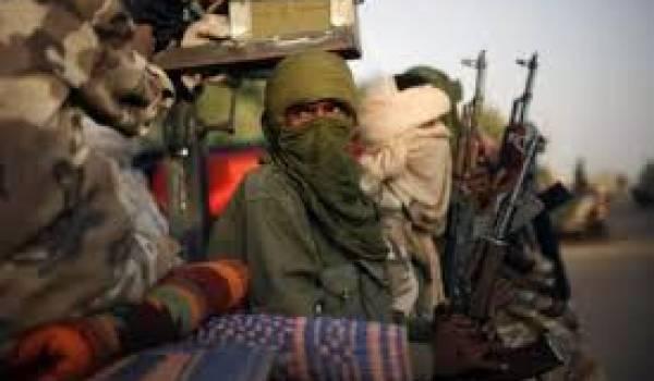 Le MNLA et d'autres groupes armés de l'Azawad négocient à Alger avec Bamako.