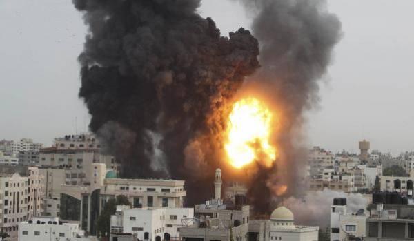 Le bilan des victimes des bombardements israéliens sur Gaza ne cesse de s'alourdir (près de 1400 Palestiniens