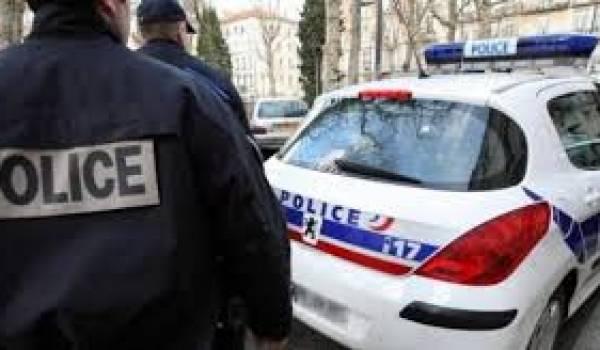 Cet Algérien est mort dans un fourgon de police.