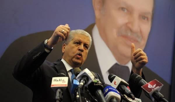 """L'auteur avertit Abdelmalek Sellal : """"L'Algérie,en maintenant la politique actuelle, va droit au mur."""""""