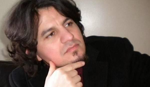 """Karim Akouche, auteur de """"Toute femme est une étoile qui pleure""""."""
