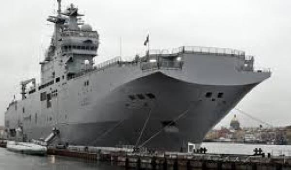 Le premier des deux Bâtiments de projection et de commandement (BPC) de type Mistral devait être livré en octobre