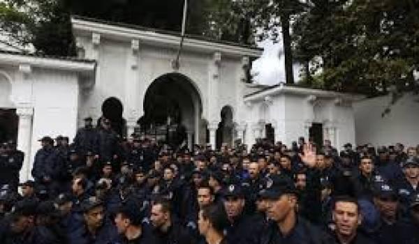 La grève de la police est un signe de la fragilité des institutions.