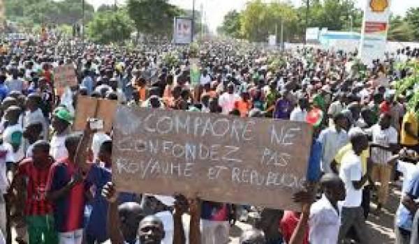Les Burkinabé veulent du changement et le départ du président.