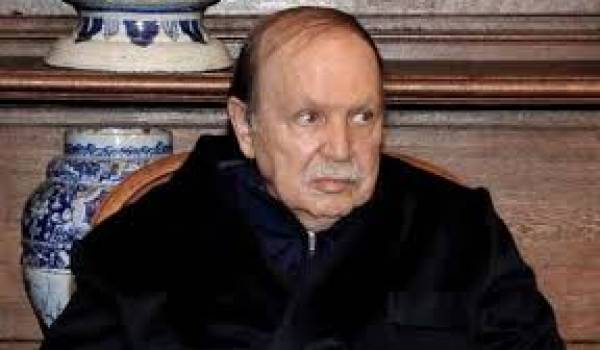 Bouteflika ou une fin de règne en pyjama.