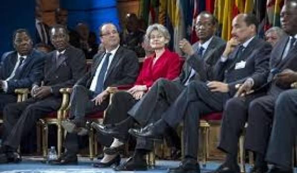Des dictateurs africains avec le président français.